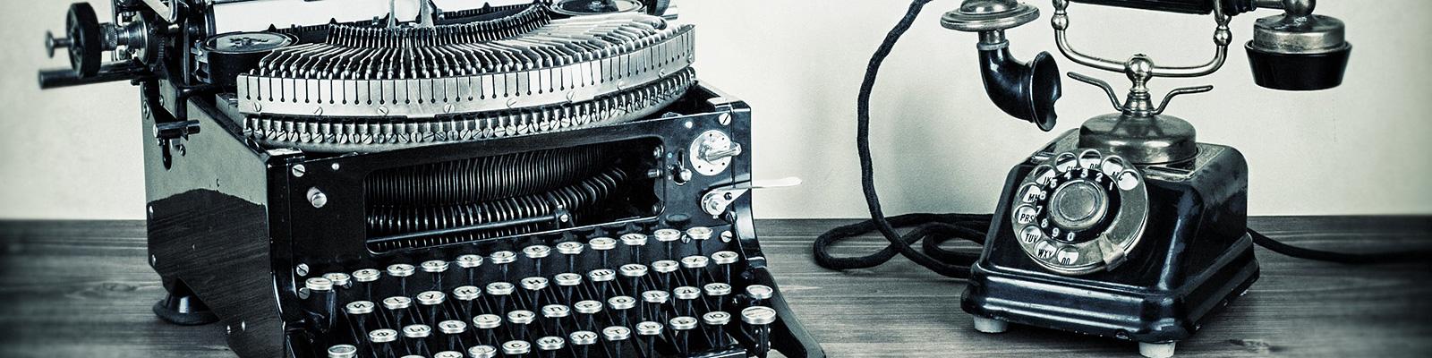 タイプライターと電話