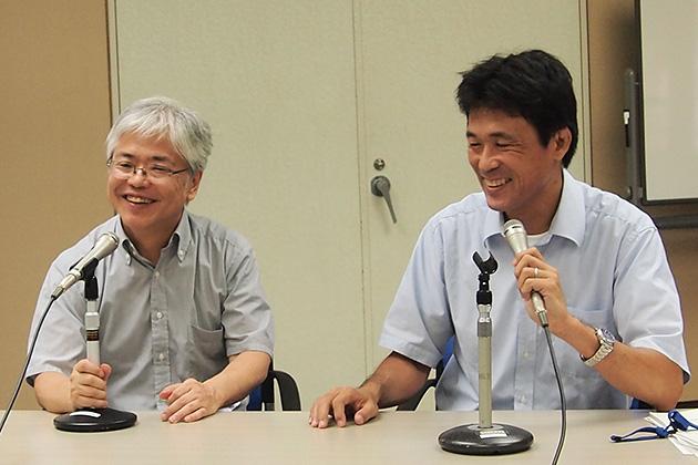 意見交換終了後の松本氏(左)と小泉氏(右)