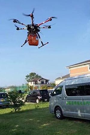 AEDを搭載したドローン飛行訓練