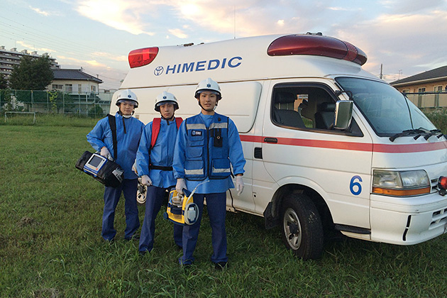 救急救命隊との連携も大切だ。