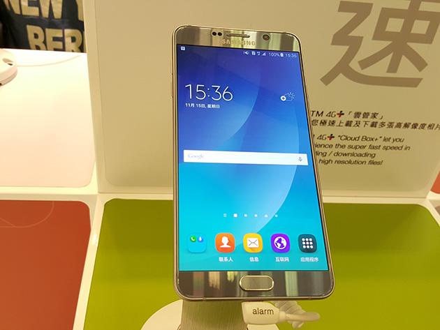 CTMの販売店で展示されているSamsung Galaxy Note5。CTMのLTEネットワークに接続している。