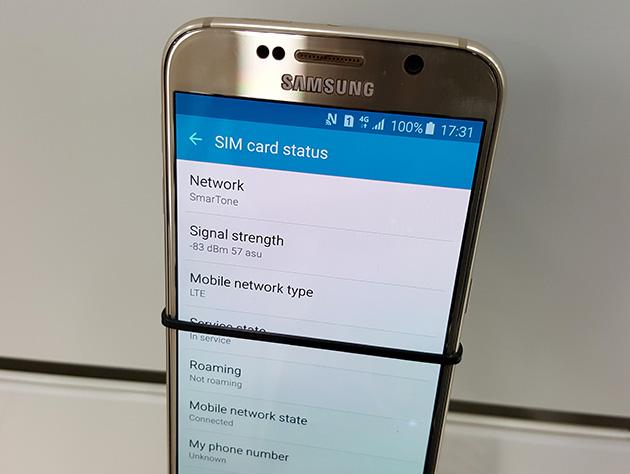 SmarTone Macauの販売店で展示されているSamsung Galaxy S6。SmarTone MacauのLTEネットワークに接続している。