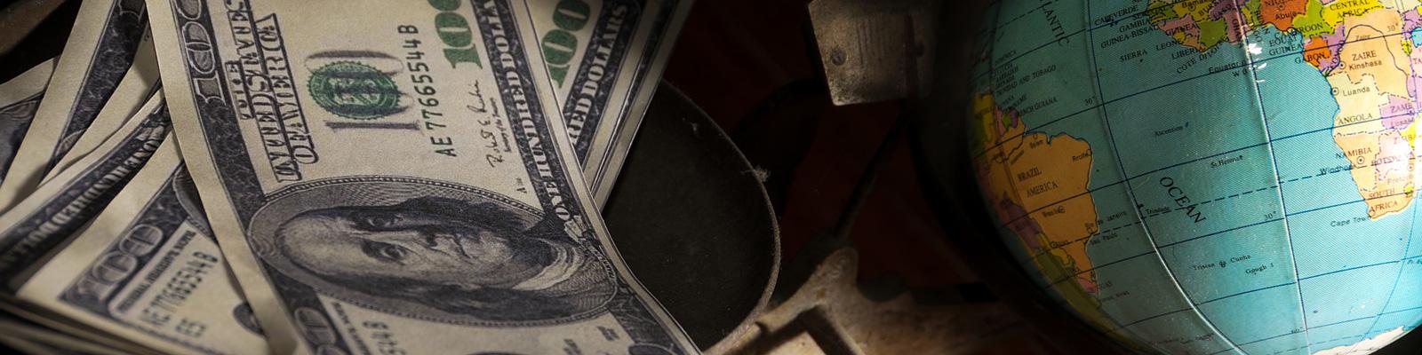 地球儀 お金 訴訟