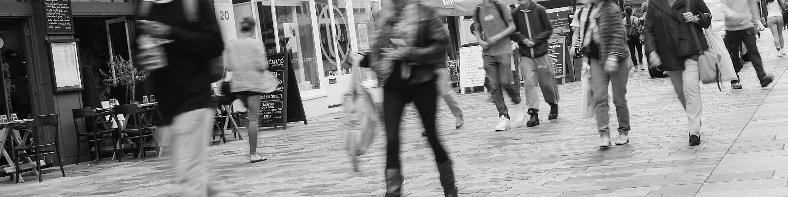 ストリート 歩行者