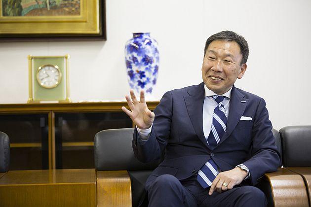 東 常夫(とう・つねお) ユニアデックス株式会社代表取締役社長。1984年日本ユニバック株式会社(現日本ユニシス株式会社)入社。テレコム分野の営業を長く担当し、2002年経営企画部へ。2005年ユニアデックス株式会社戦略営業本部本部長。以後、営業推進を担当する。2012年取締役執行役員、2014年取締役常務執行役員に就任。2016年4月より現職。座右の銘は「感謝の気持ちを忘れずに、謙虚な気持ちを忘れずに」