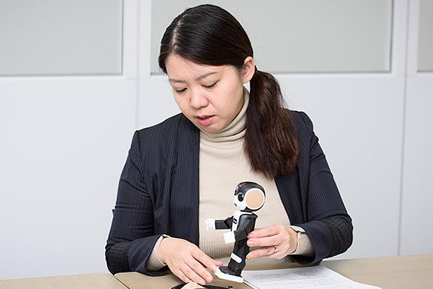 シャープ株式会社 コミュニケーションロボット事業部 商品企画部課長 景井美帆氏