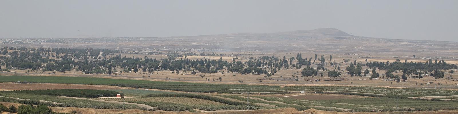 イスラエル側から見たシリアの遠景