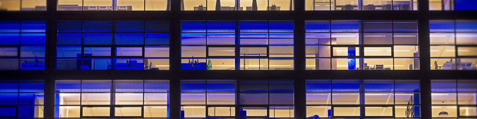 ビルディング オフィス 空間 イメージ