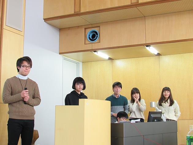 東京から参加した専修大学 岡田ゼミの皆さん。