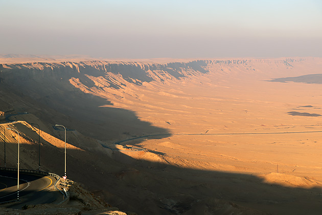 イスラエル南部の砂漠地帯ネゲブ(撮影:新井 均)