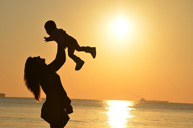 家族と共に生きる「幸せ」だけは守っていきたい(写真はイメージです)