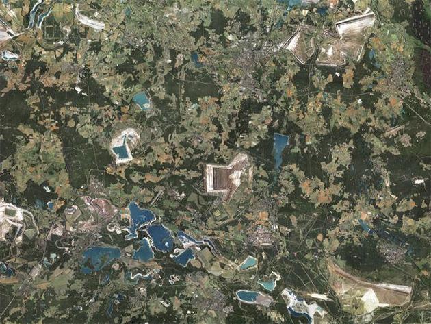 旧東ドイツの衰退都市上空からの写真