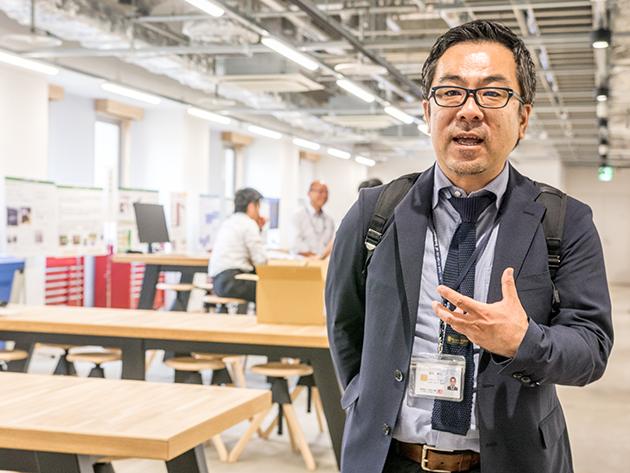 金沢工業大学 産学連携局 次長 福田崇之さんへのインタビューの様子