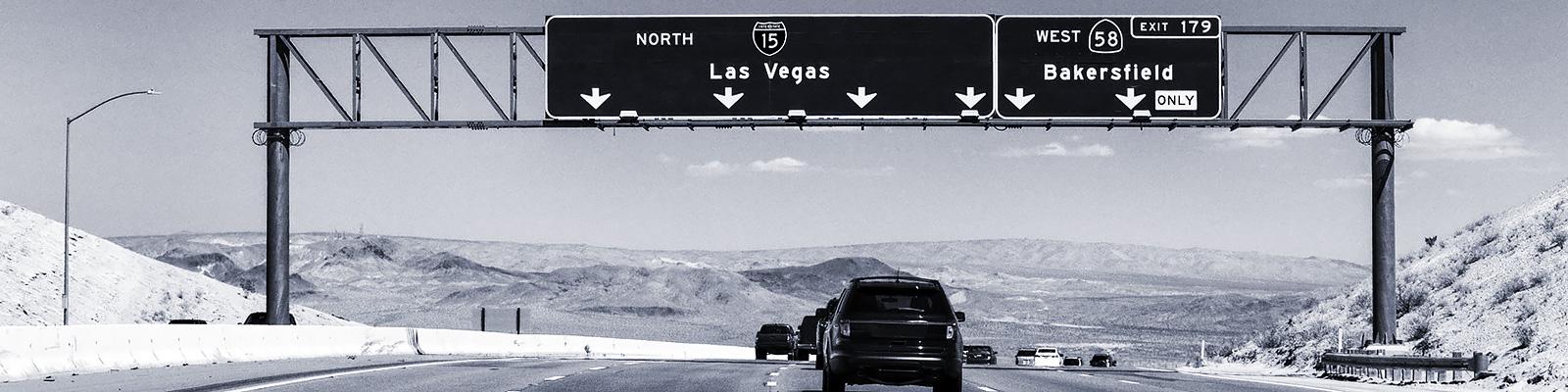 ラスベガス 高速道路 自動車 イメージ
