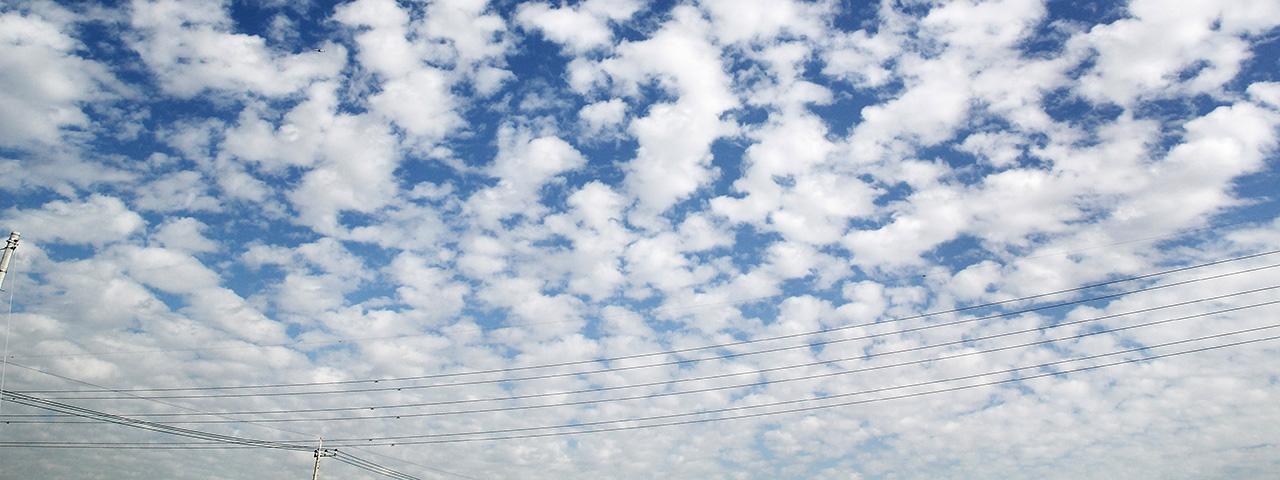寒露ーー秋空は雲の見本市 [二十四節気のあかり]