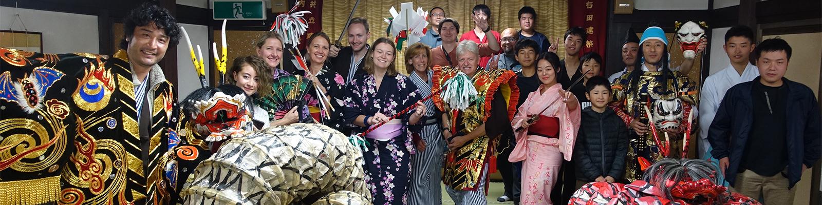 売りはディープな「日本臭さ」。本物志向の外国人観光客をターゲットに、アドベンチャートラベルの手法で過疎地の魅力を掘り起こす田舎インバウンドの挑戦