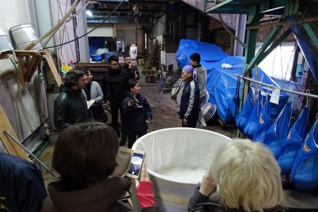 島根県邑南町の玉櫻酒造。日本酒のテイスティングを楽しみにしていたジャーナリストも多かった。見学だけで終わらず、実際に何を体験できるかが重要のようだ