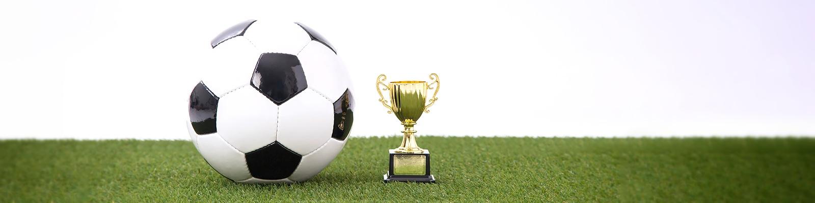 サッカー ボール トロフィー イメージ