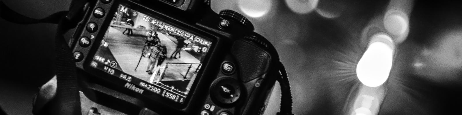 カメラ 撮影 アクシデント イメージ