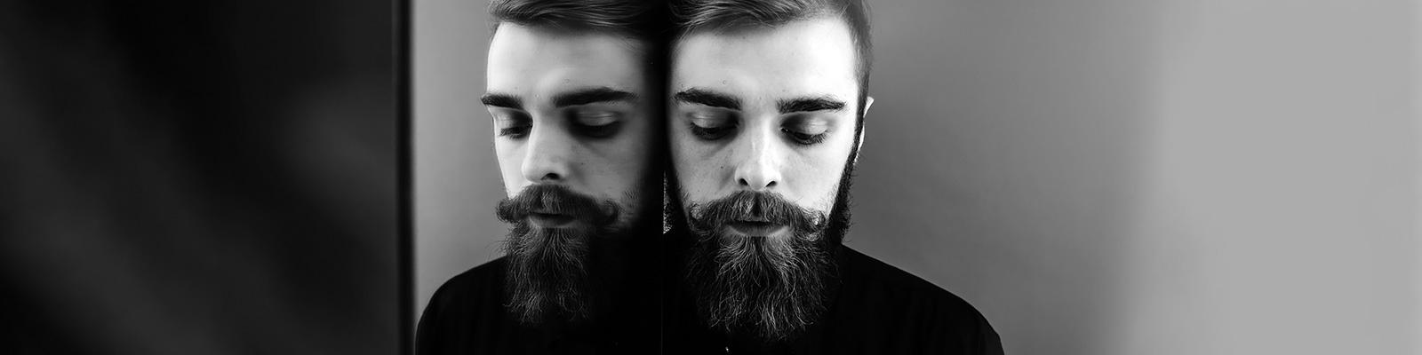 顔 鏡 認識 イメージ