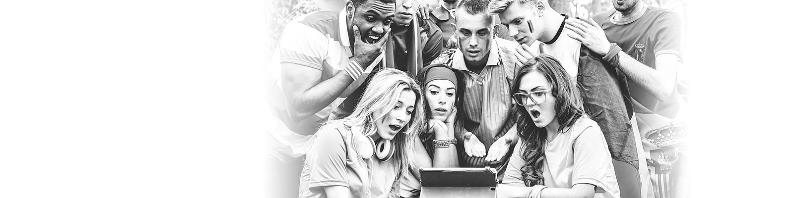 スポーツ 観戦 モバイル 人々 イメージ