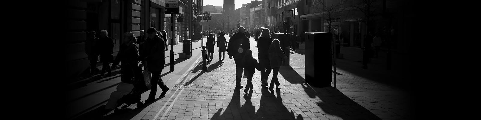 ロンドン 人々 影 イメージ