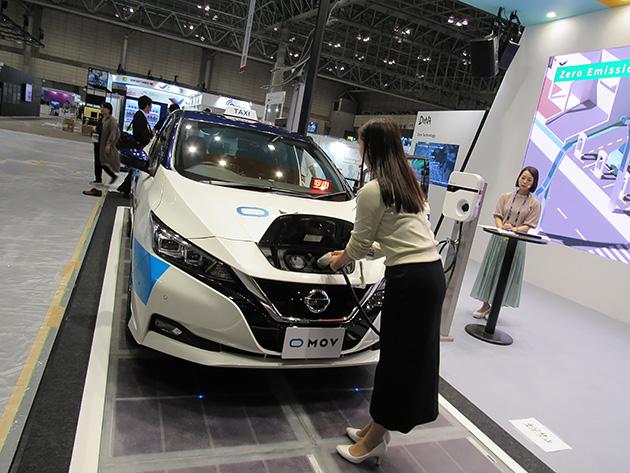 【写真3】ディー・エヌ・エーでは「働き方改革タクシー」と銘打ち、「リリーフドライバー」というコンセプトで、近未来のタクシーの姿を提案。 ビッグデータとAI分析で乗車の需給を予測し、効率的な運転を実現。