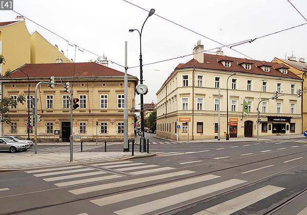[4]プラハのヴィシェフラツカー通りとトロイツカー通りの交わる交差点。小説『HHhH』は、この場所で聞こえる路面電車の軋み音とともに始まる。(2017年9月、筆者撮影)