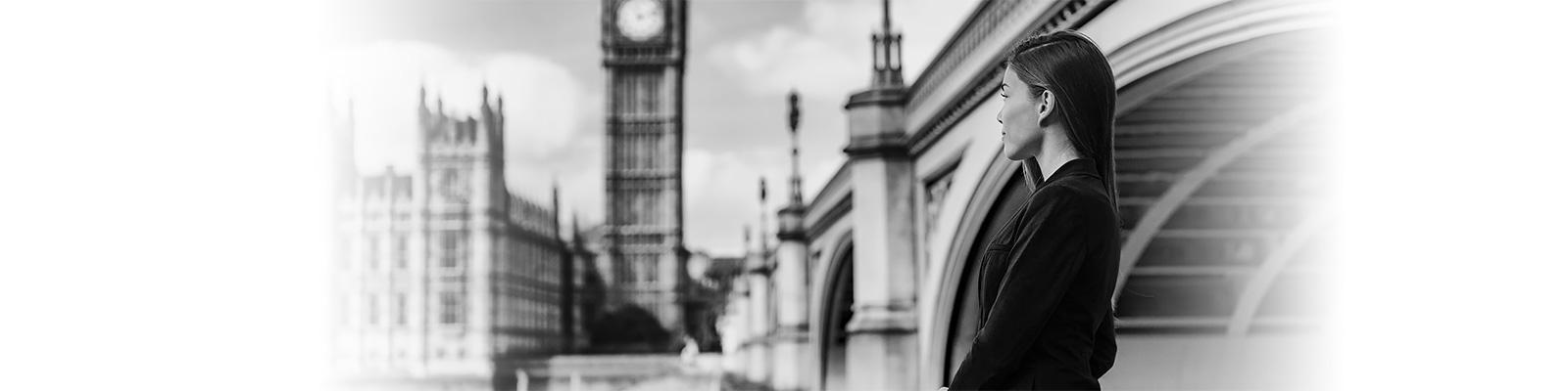 ロンドン ワーカー 孤独 イメージ