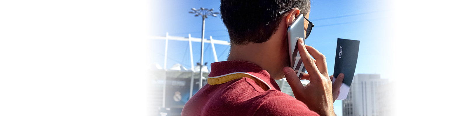 チケット サッカー スマートフォン イメージ