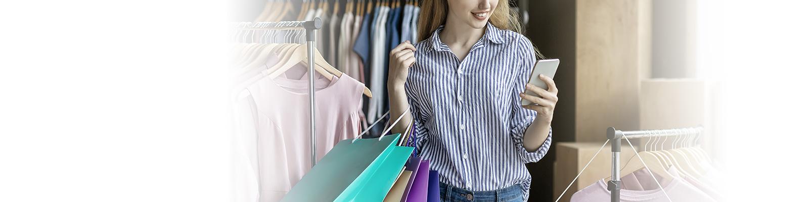 ショッピング スマートフォン 消費者 イメージ